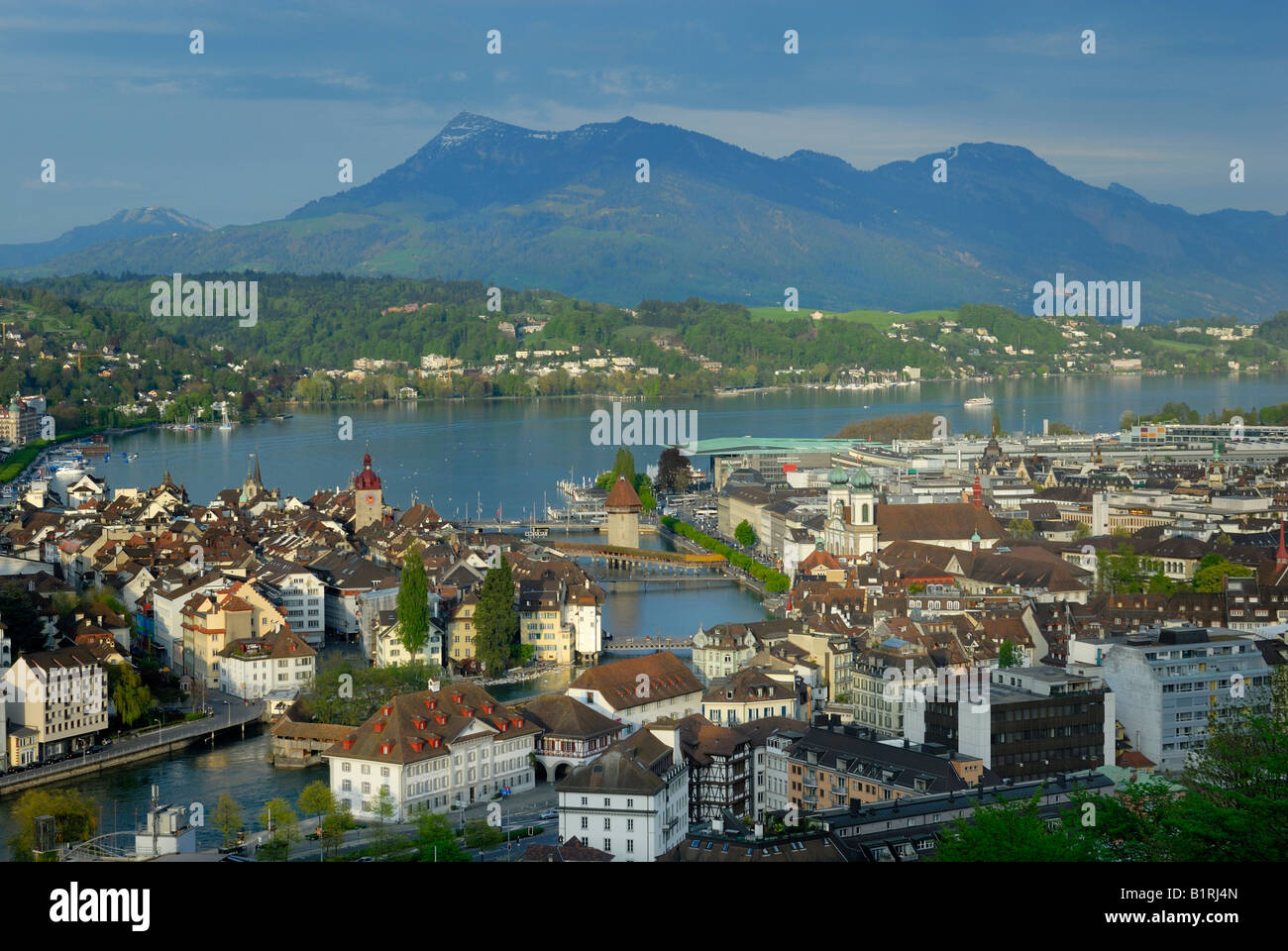 View of the historic centre at the Vierwaldstaettersee Lake and the mouth of the Reuss River, Luzerne, Canton of - Stock Image