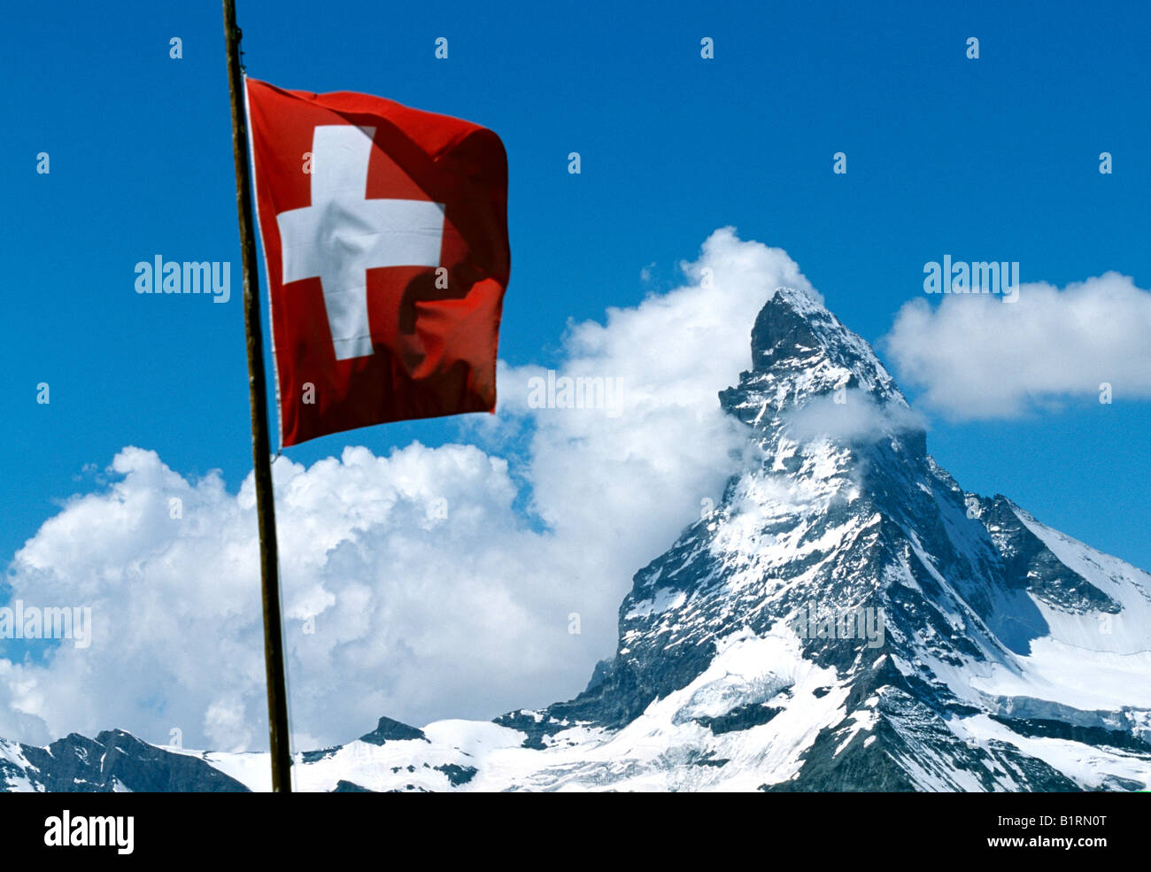 Swiss flag, Matterhorn, Wallis, Switzerland - Stock Image