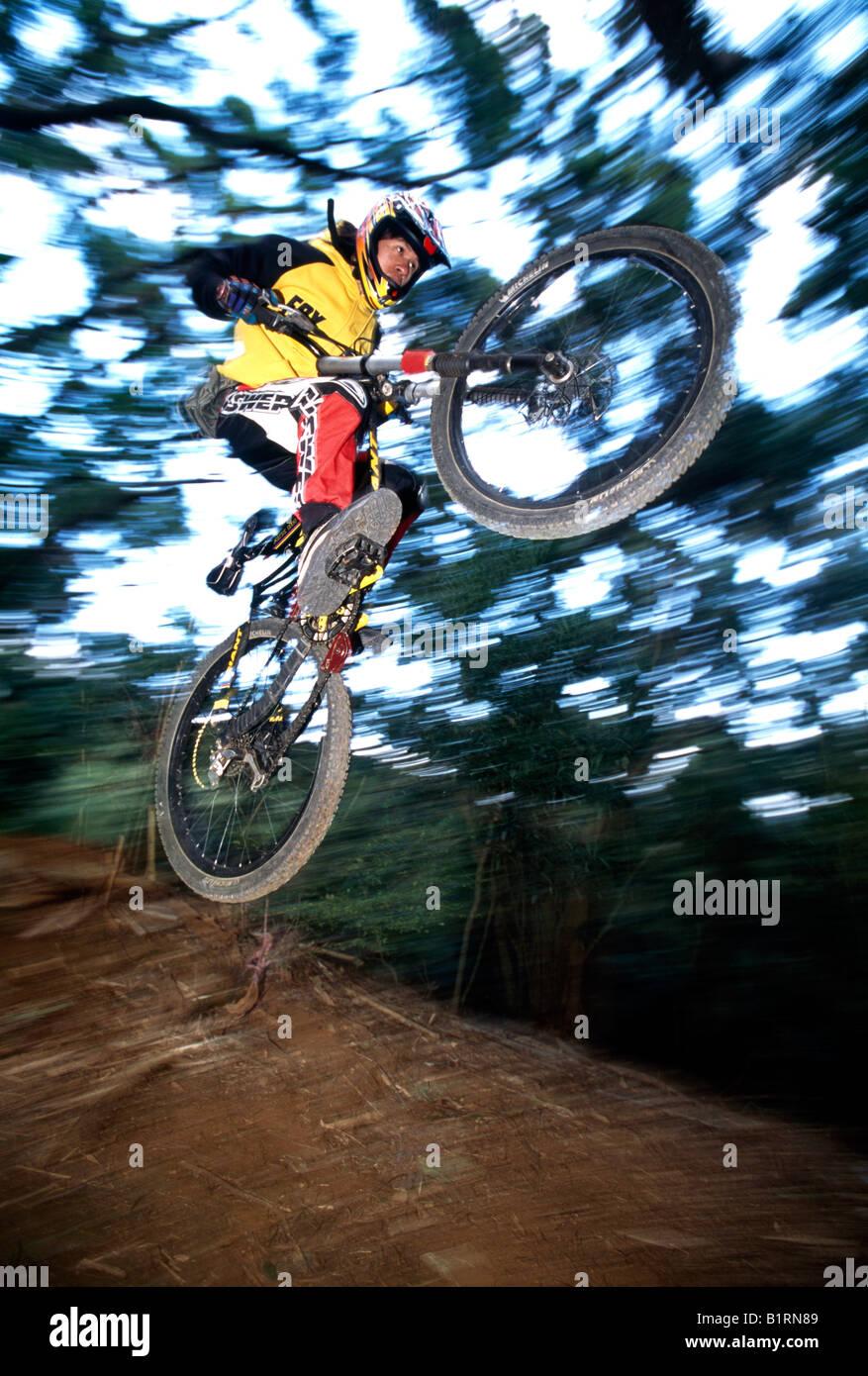 Mountainbiker, Downhill, Taichung, Taiwan, Nepal, Asia - Stock Image