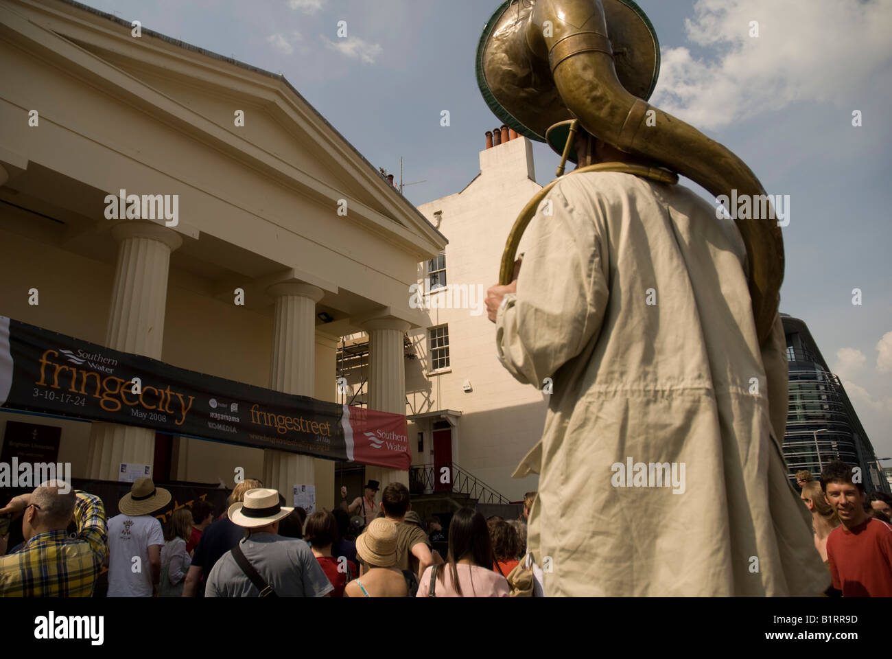 A street performer at the Brighton fringe theatre festival - Stock Image