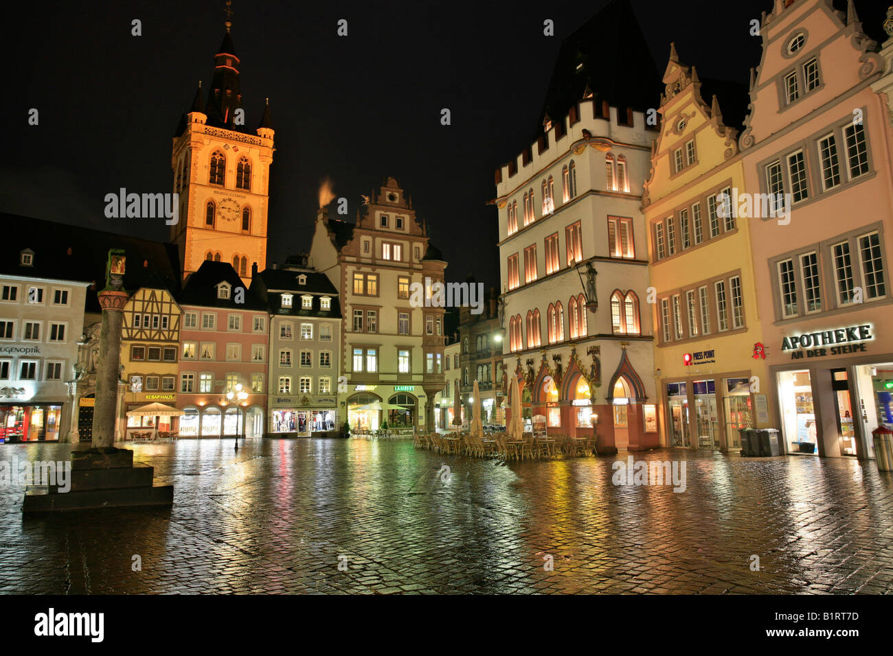Main market square, the St. Gangolf Church, the market cross and the Steipe in the Roman town Trier, Rhineland-Palatinate, - Stock Image