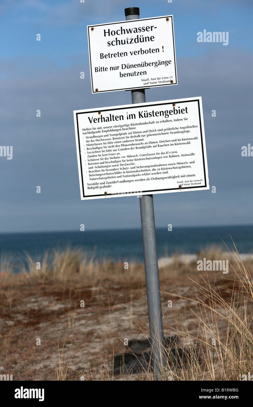 Sign, flood protection dune in Prerow on Darss along the Baltic Sea coast, Nationalpark Vorpommersche Boddenlandschaft, - Stock Image