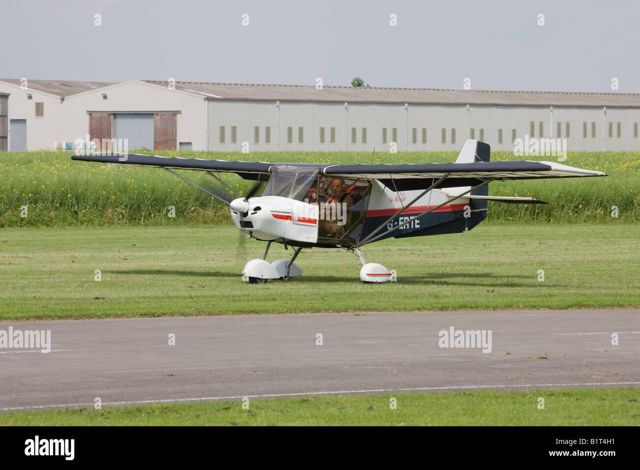 Skyranger 912S (1) G-ERTE microlight aircraft taxiing along
