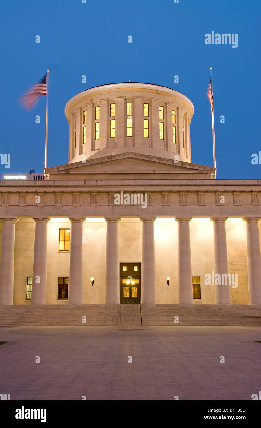 COLUMBUS, Ohio - A view of the Ohio Statehouse (Ohio State Capitol Building) in Columbus, Ohio, at dusk. This is - Stock Image