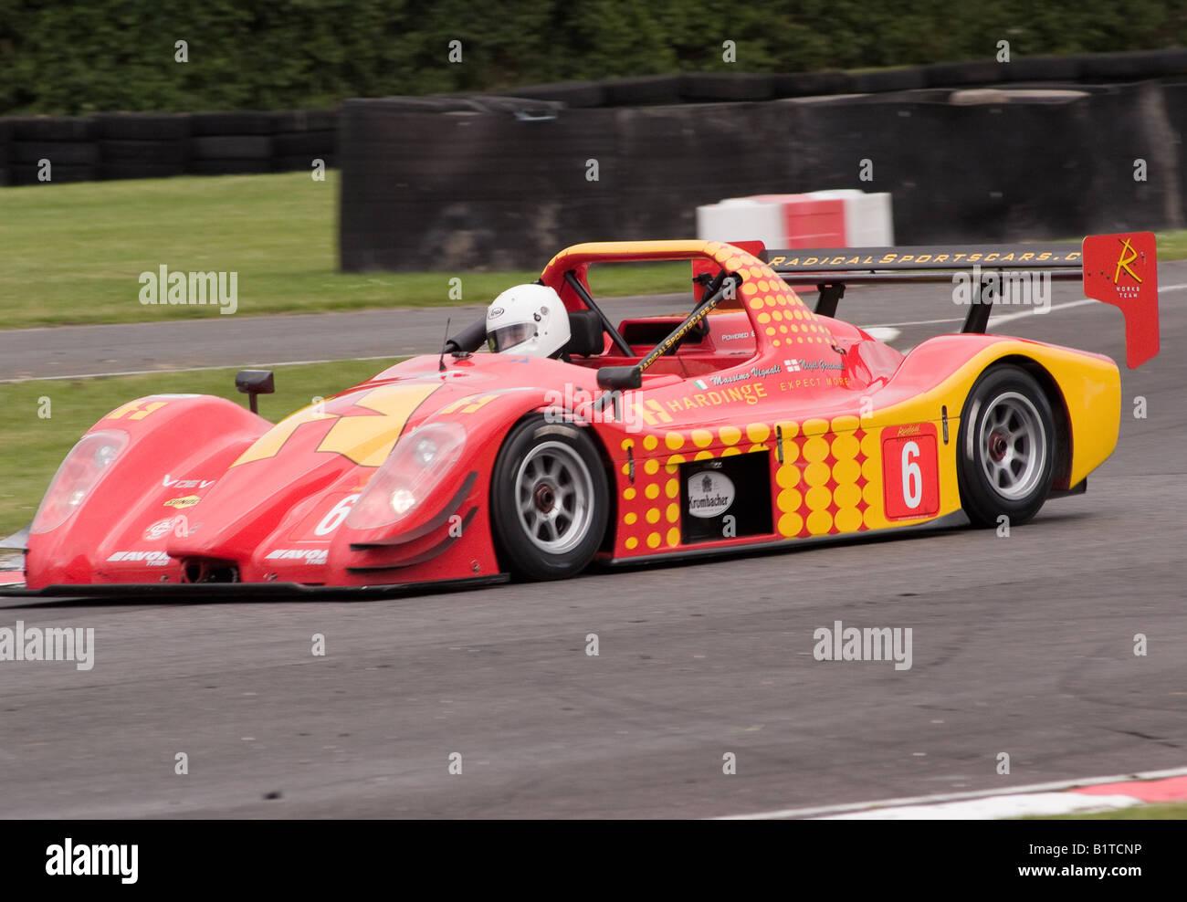 A V de V UK Radical SRS Sports Race Car in Brittens Corner at Oulton ...