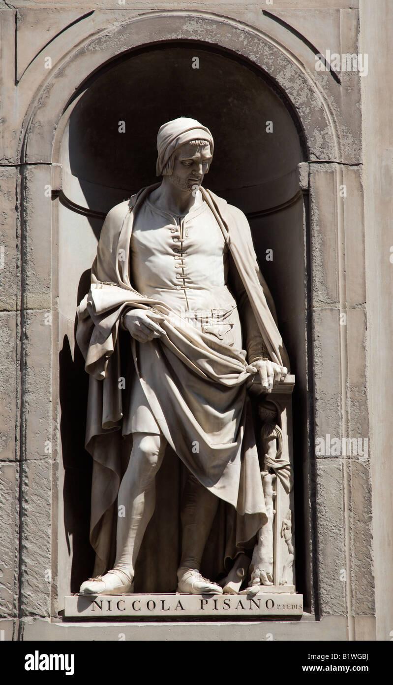 ITALY Tuscany Florence Statue of architect and sculptor Nicola Pisano in the Vasari Corridor outside the Uffizi Stock Photo