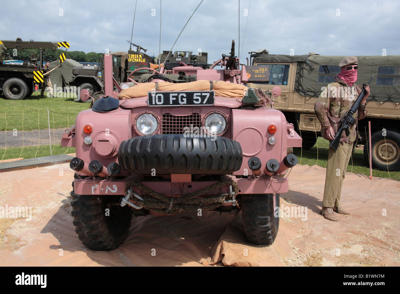 panther italeri kits land landrover a kit vehicle plastic recon rover sale scale model sas pink for s