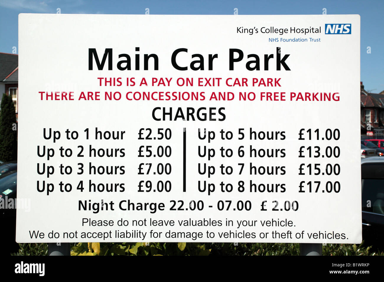 Sign showing the high car parking charges at King's College Hospital NHS Foundation Trust - Stock Image