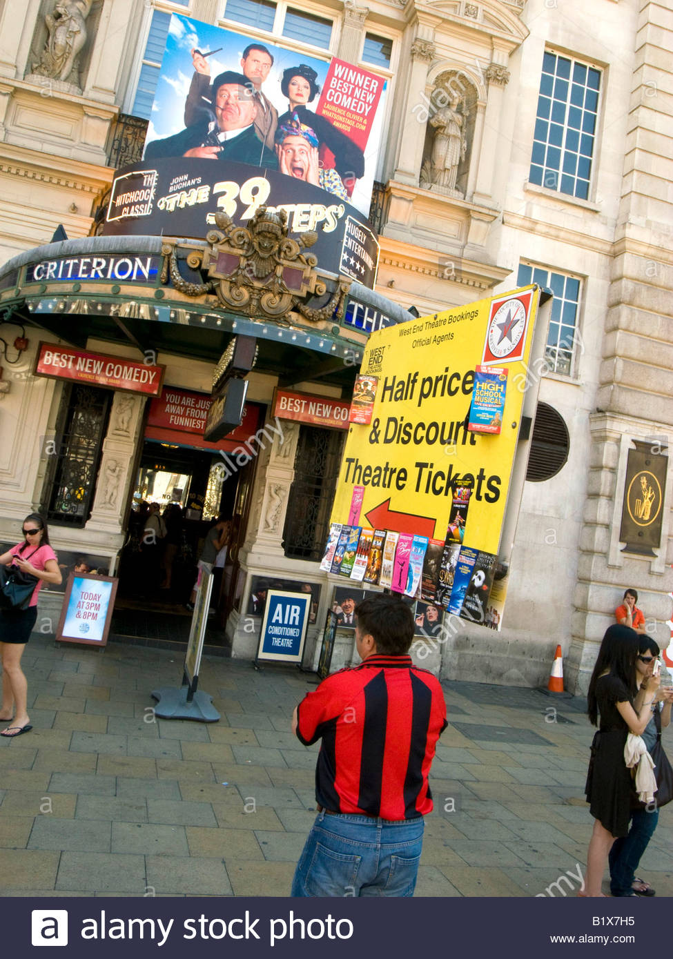 Half Price Theatre Tickets outside The Criterion Theatre in Picadilly Circus in London - Stock Image