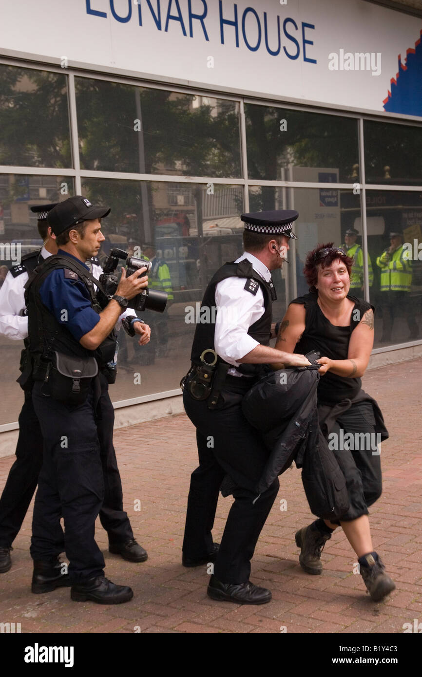 Anti G8 and No Borders demonstrators clash with Police outside Immigration Office in Croydon Stock Photo