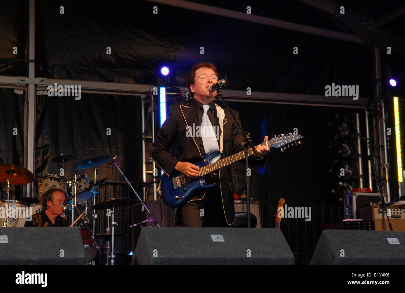 Mike Pinder on stage at the Stars of the Sixties concert at Ludlow Festival - Stock Image