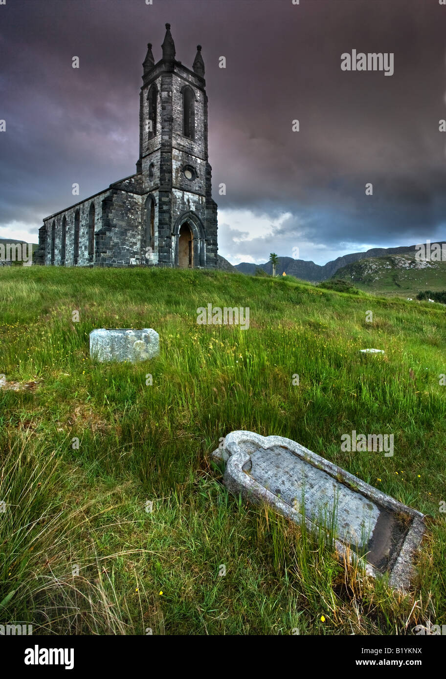 The ruins of Dunlewy Church, Co Donegal. - Stock Image