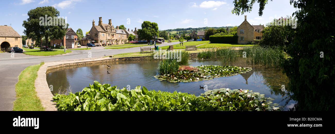 The duck pond in the Cotswold village of Willersey, Gloucestershire UK Stock Photo