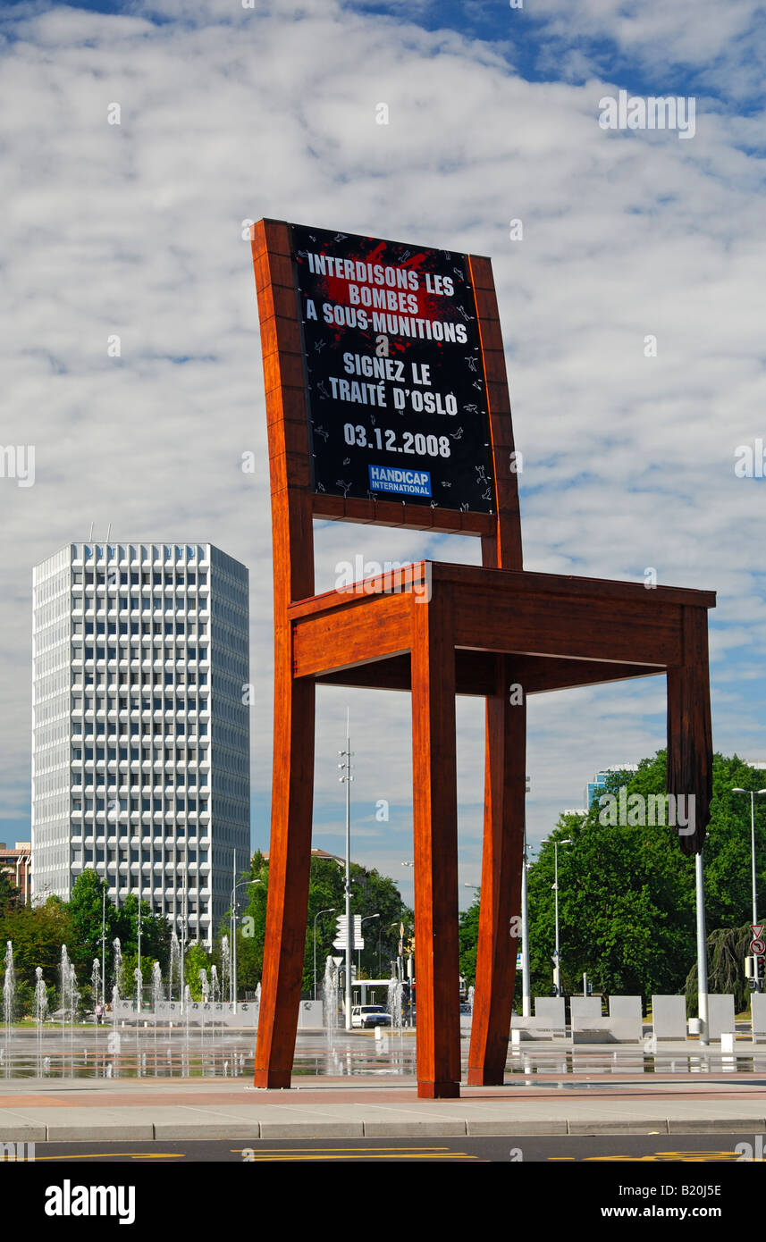 Action of the NGO Handicap International demanding the signing of the Oslo cluster bomb ban treaty, Geneva, Switzerland - Stock Image