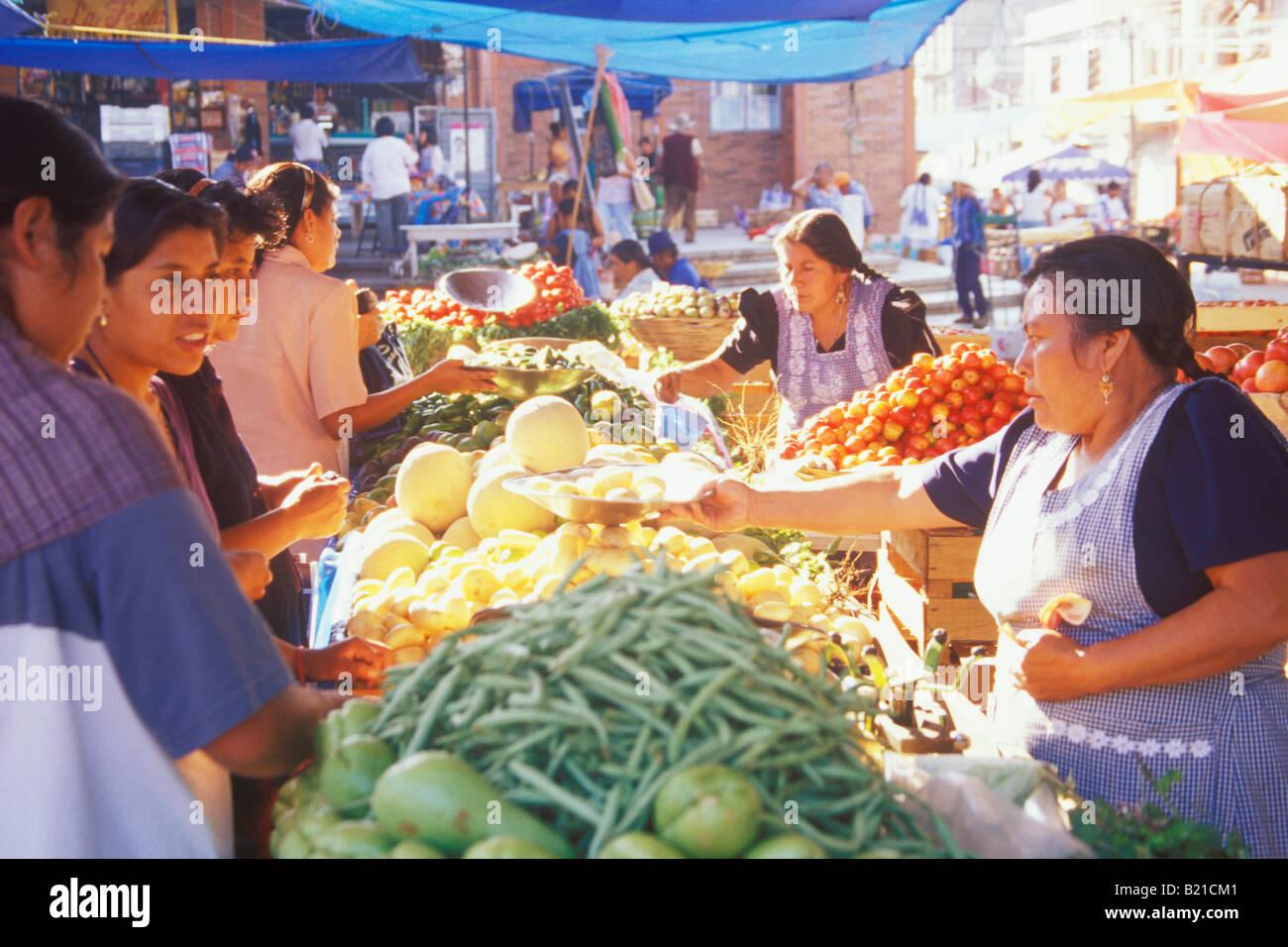 77ca3b5001 vegetables for sale in the mercado Zaachila Oaxaca Mexico Stock ...