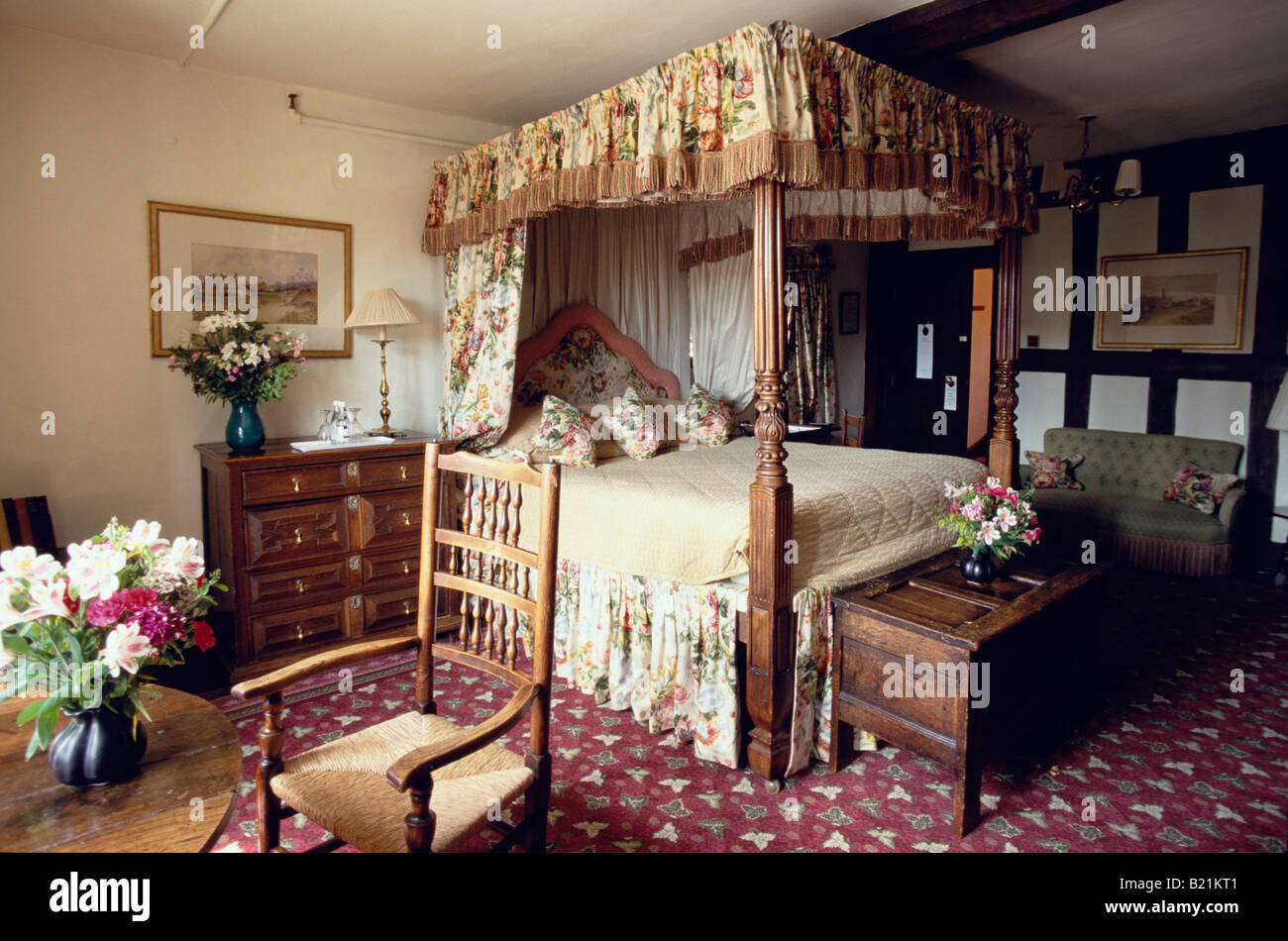 Room in medieval Lygon Arms Hotel Broadway Cotswolds Gloucestershire England - Stock Image