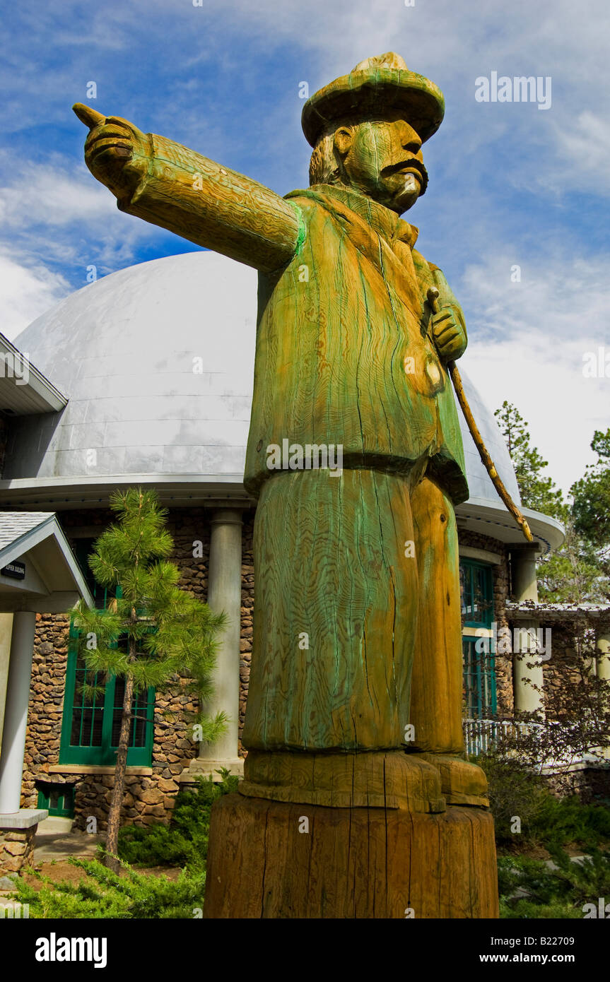 A statue of Percival Lowell at the Lowell Observatory in Flagstaff Arizona - Stock Image