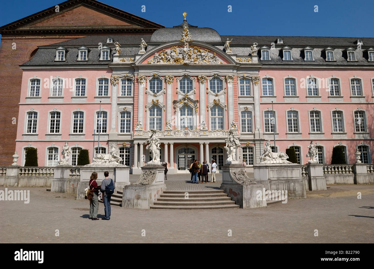 the Electoral Palace, Palace of the prince elector, Kurfuerstliches Palais, Baroque PALACE, Trier, Germany, Europe Stock Photo