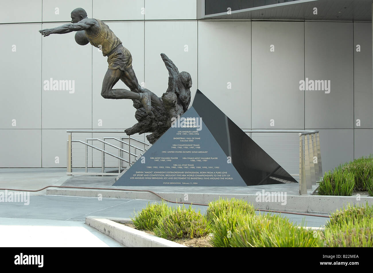 Magic Johnson Statue Staples Center