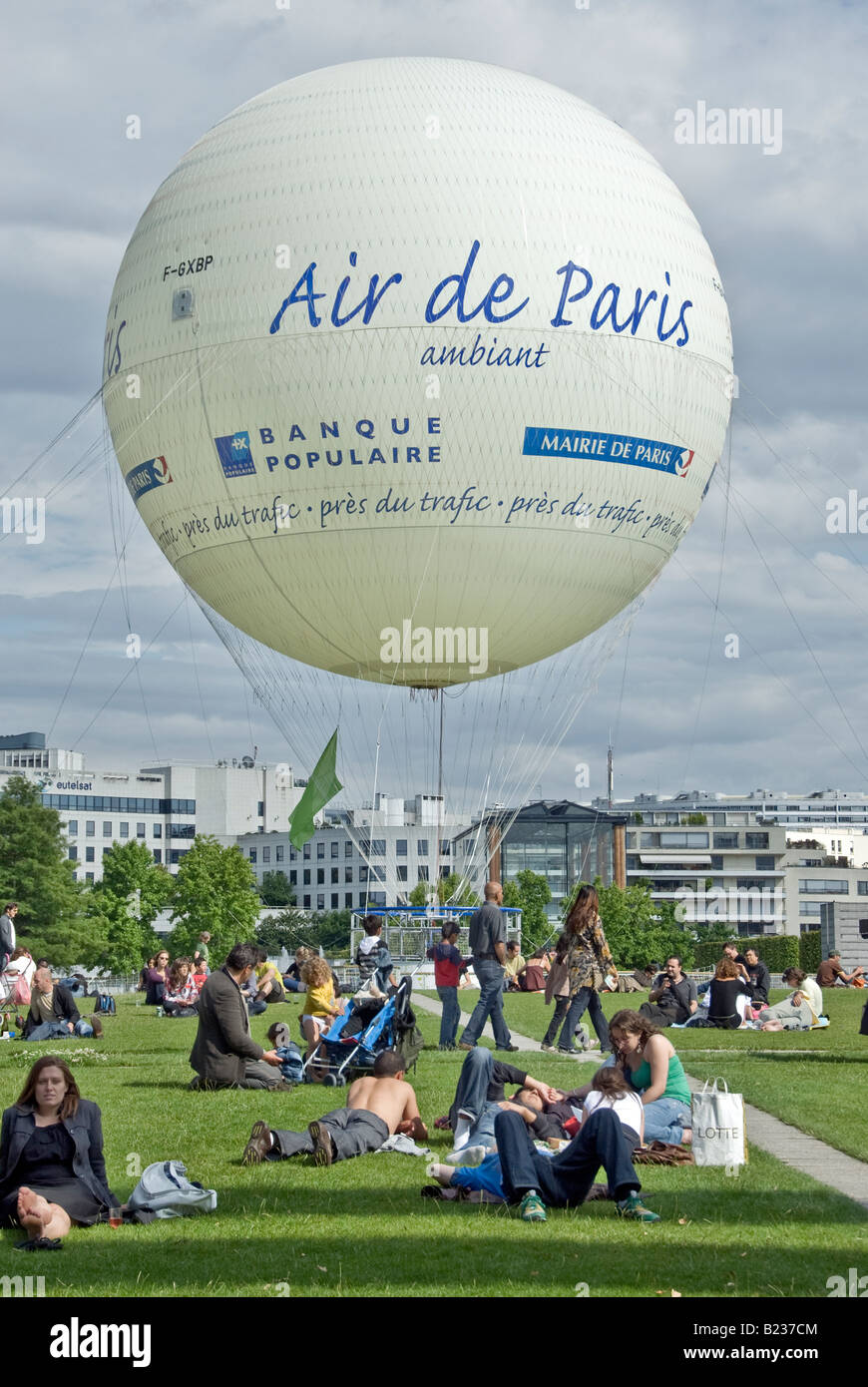 Paris France, People relaxing in the garden, 'André Citro-en Parc' Helium Balloon, Urban Playground, - Stock Image