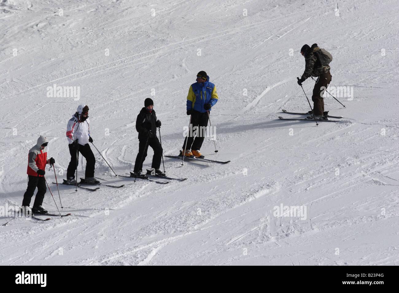 Ski instructor teaching  , Bansko, Pirin mountains, Bulgaria - Stock Image