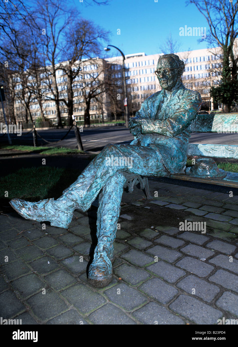 street side sculpture of one of irelands famous poets, - Stock Image
