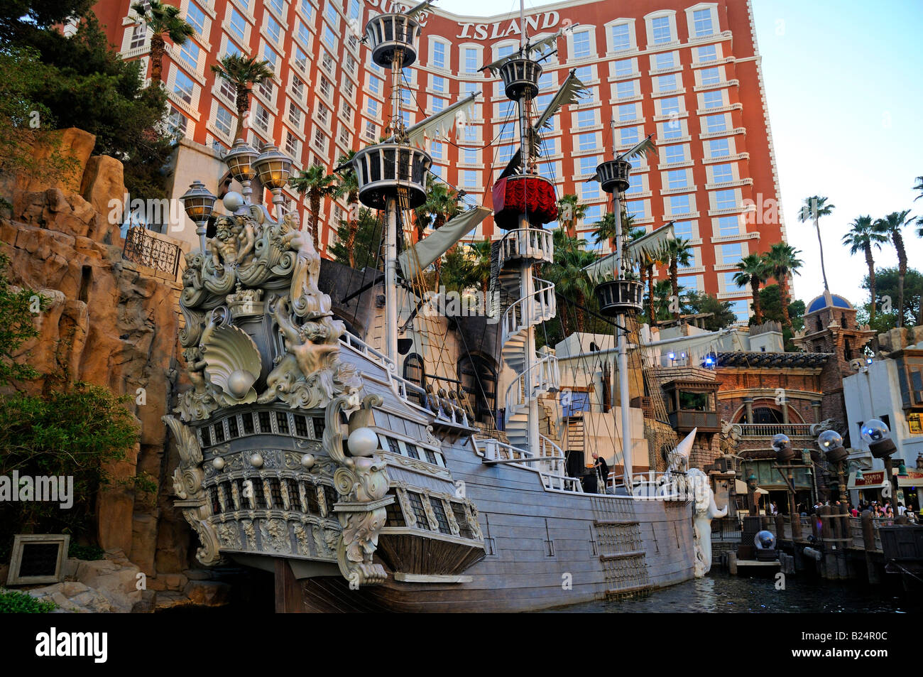 One Of The Pirate Ships At The Treasure Island Hotel And Casino Las Stock Photo Alamy
