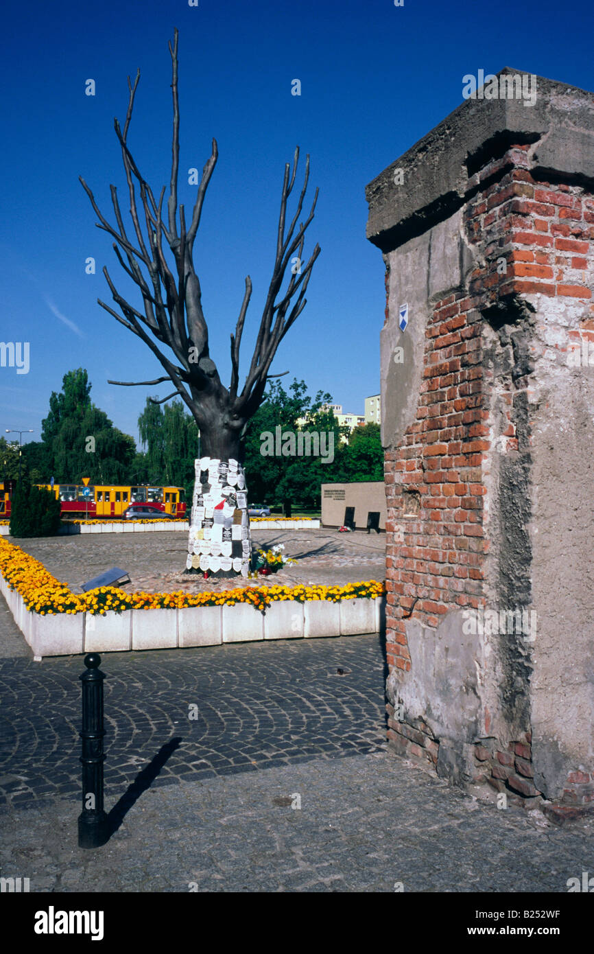 July 11, 2008 - Dead tree used for posting obituaries at the courtyard of the Pawiak, an old prison in the former - Stock Image