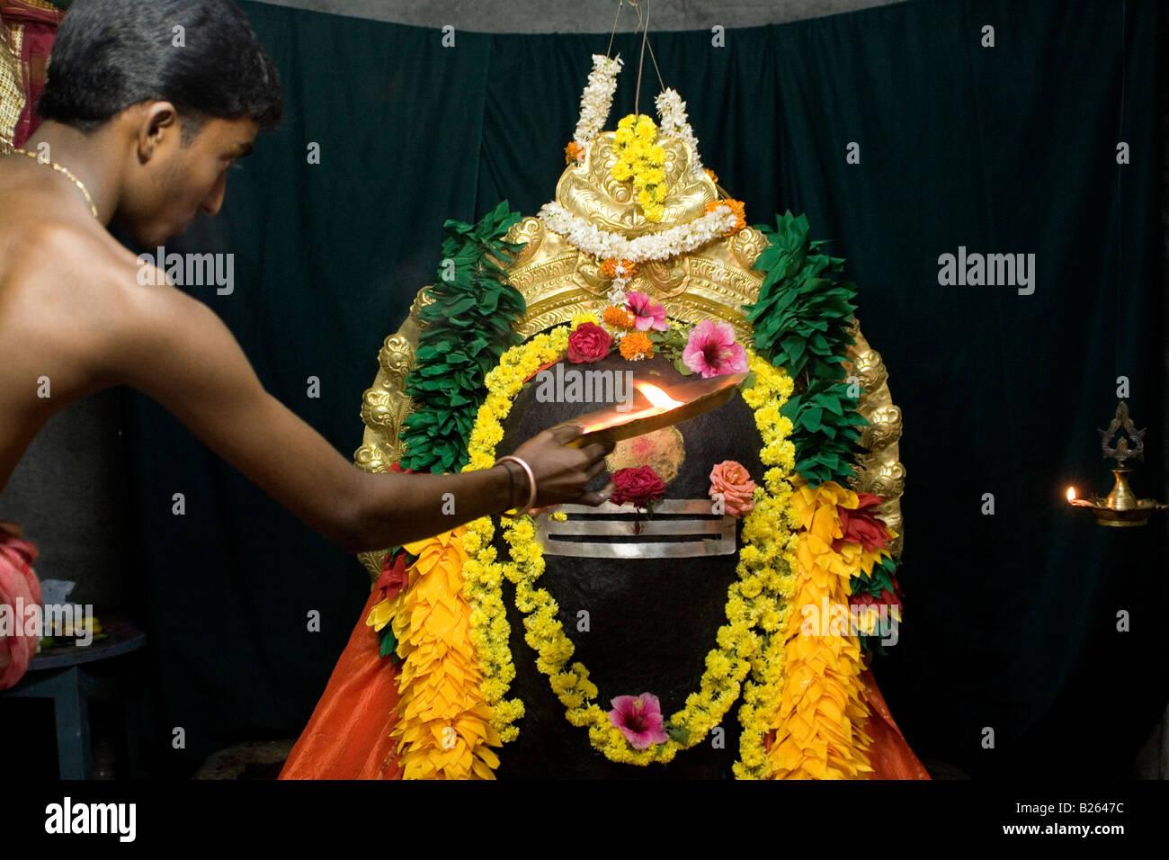 Lingam Power Stock Photos & Lingam Power Stock Images - Alamy