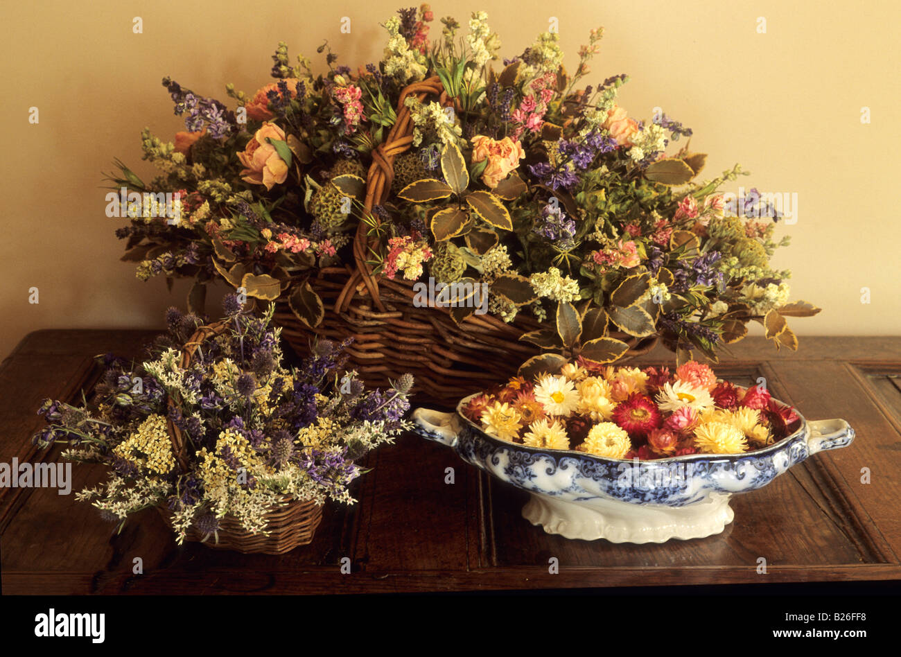 Roundhouse Surrey dried flowers in basket arrangement Stock Photo