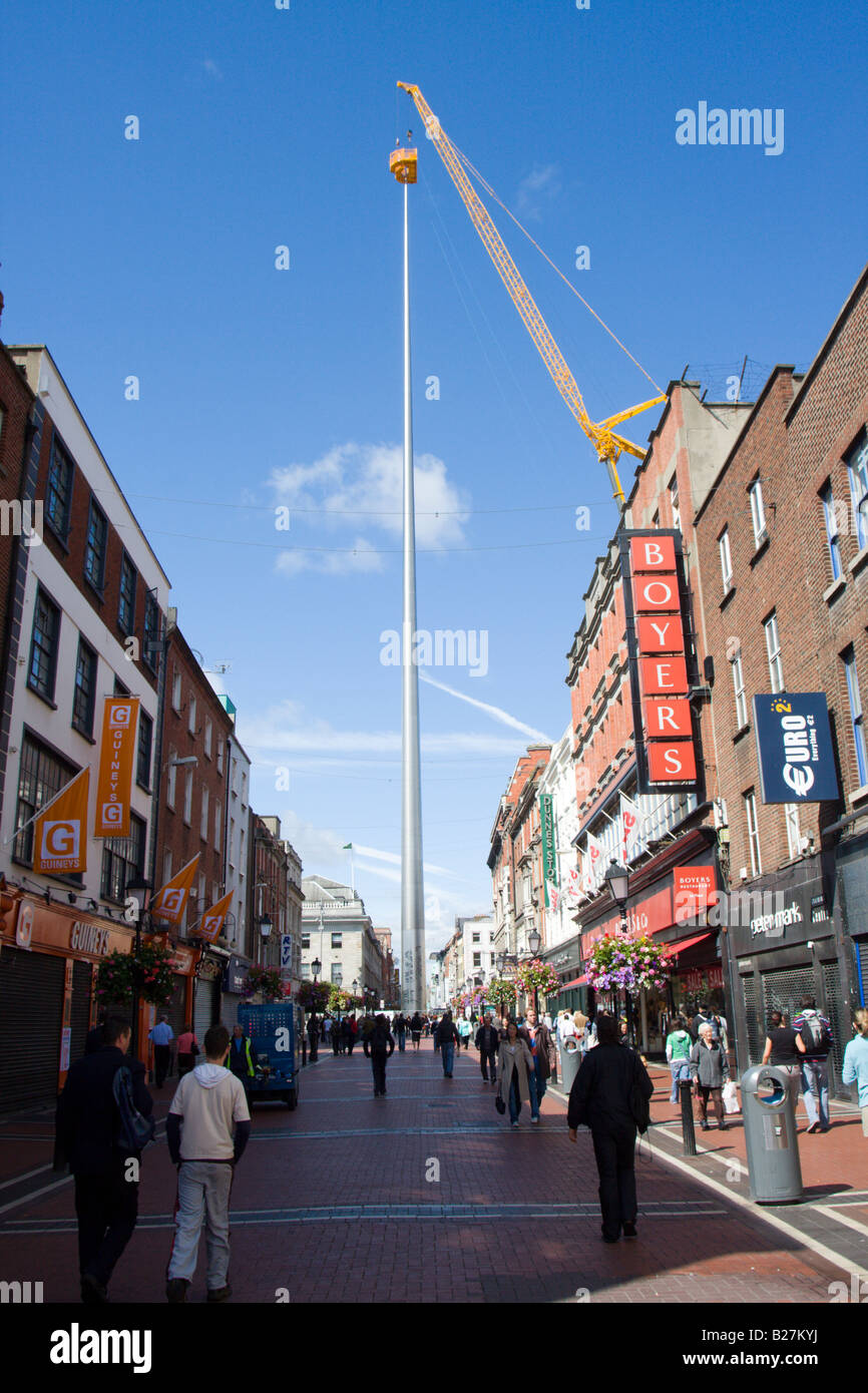 Cleaning and servicing the lighting. Millennium Spire OConnell Street Dublin Ireland - Stock Image