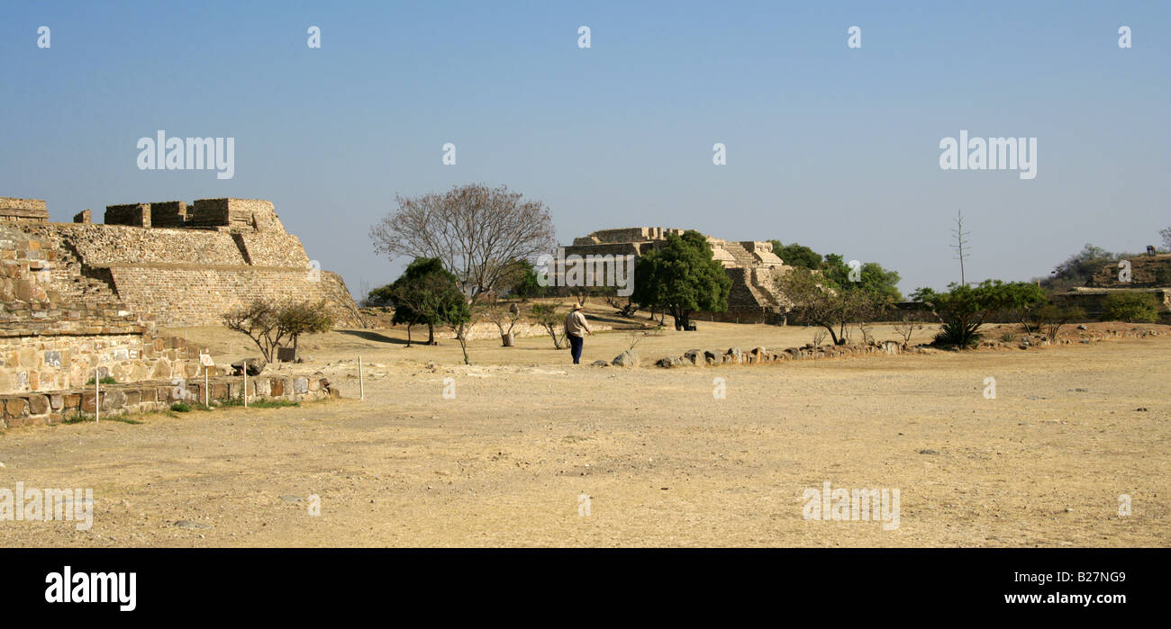 Building L (left) K (centre) and North Platform (right), Monte Alban, Oaxaca, Mexico - Stock Image