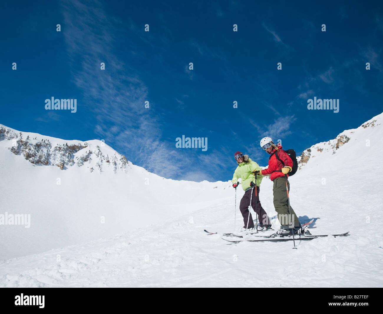 Women standing on skis - Stock Image