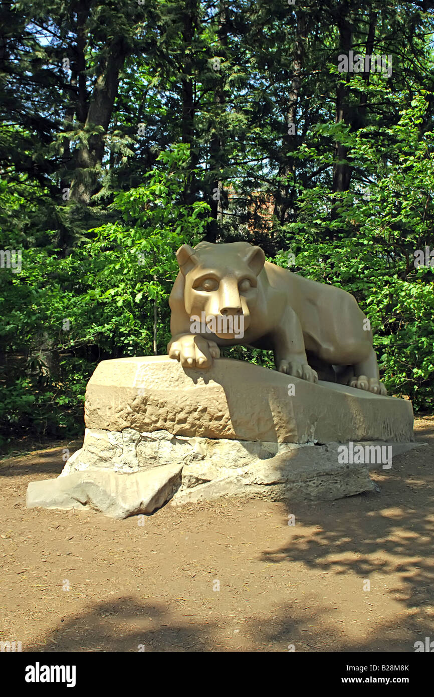 36ce22cc The Nittany Lion Mascot of the Penn State University Athletic team - Stock  Image