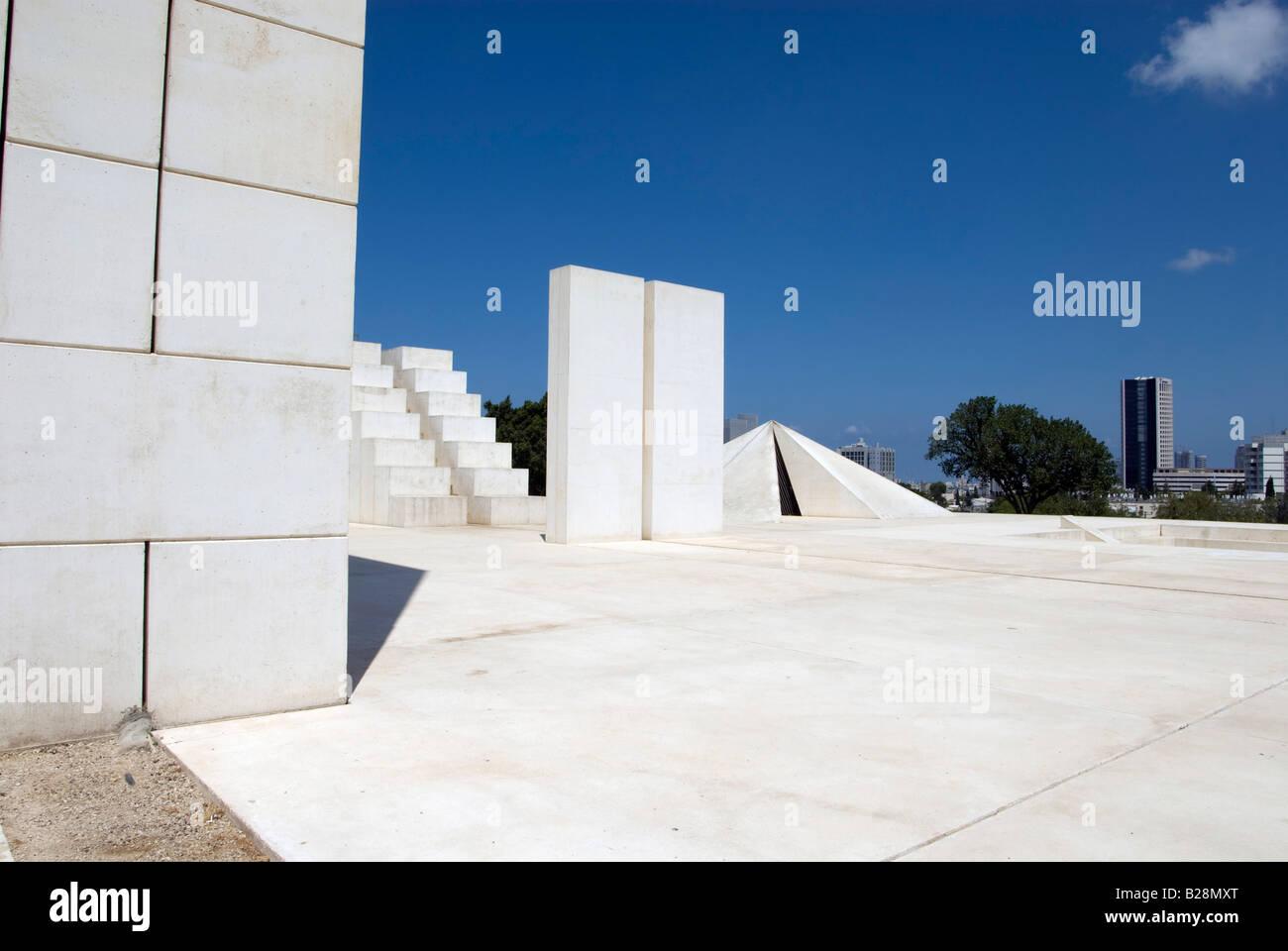 Israel Tel Aviv Wolfson Park White City Statue 1977 1988 a sculpture by Dani Karavan - Stock Image