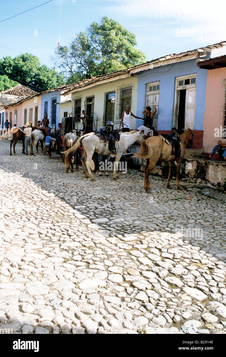 Parking backstreets Trinidad Cuba Date 23 04 2008 Ref ZB955 113876 0003 COMPULSORY CREDIT World Pictures Photoshot - Stock Image