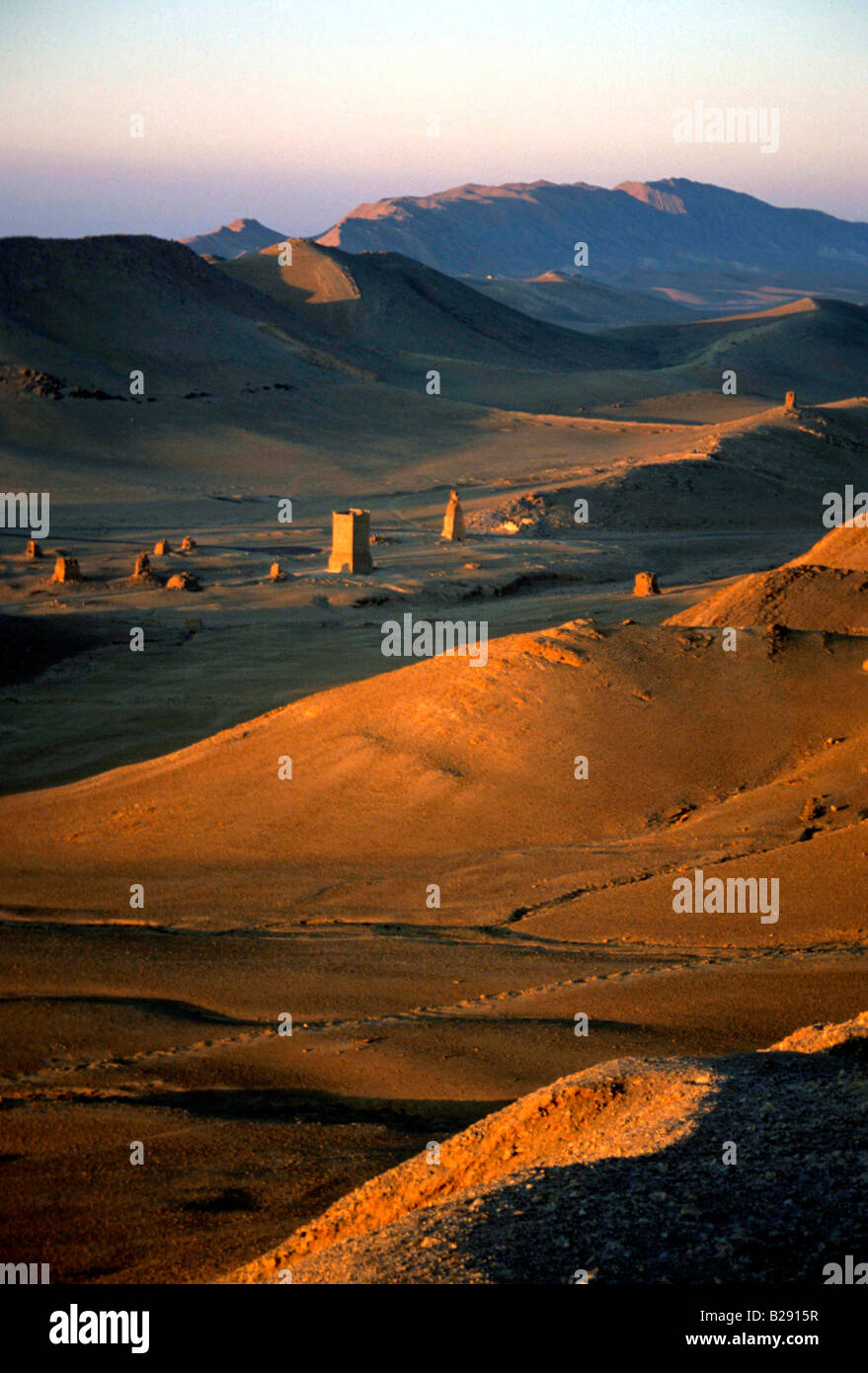 Palmyra at sunrise Syria Date 23 04 2008 Ref ZB955 113876 0028 COMPULSORY CREDIT World Pictures Photoshot - Stock Image