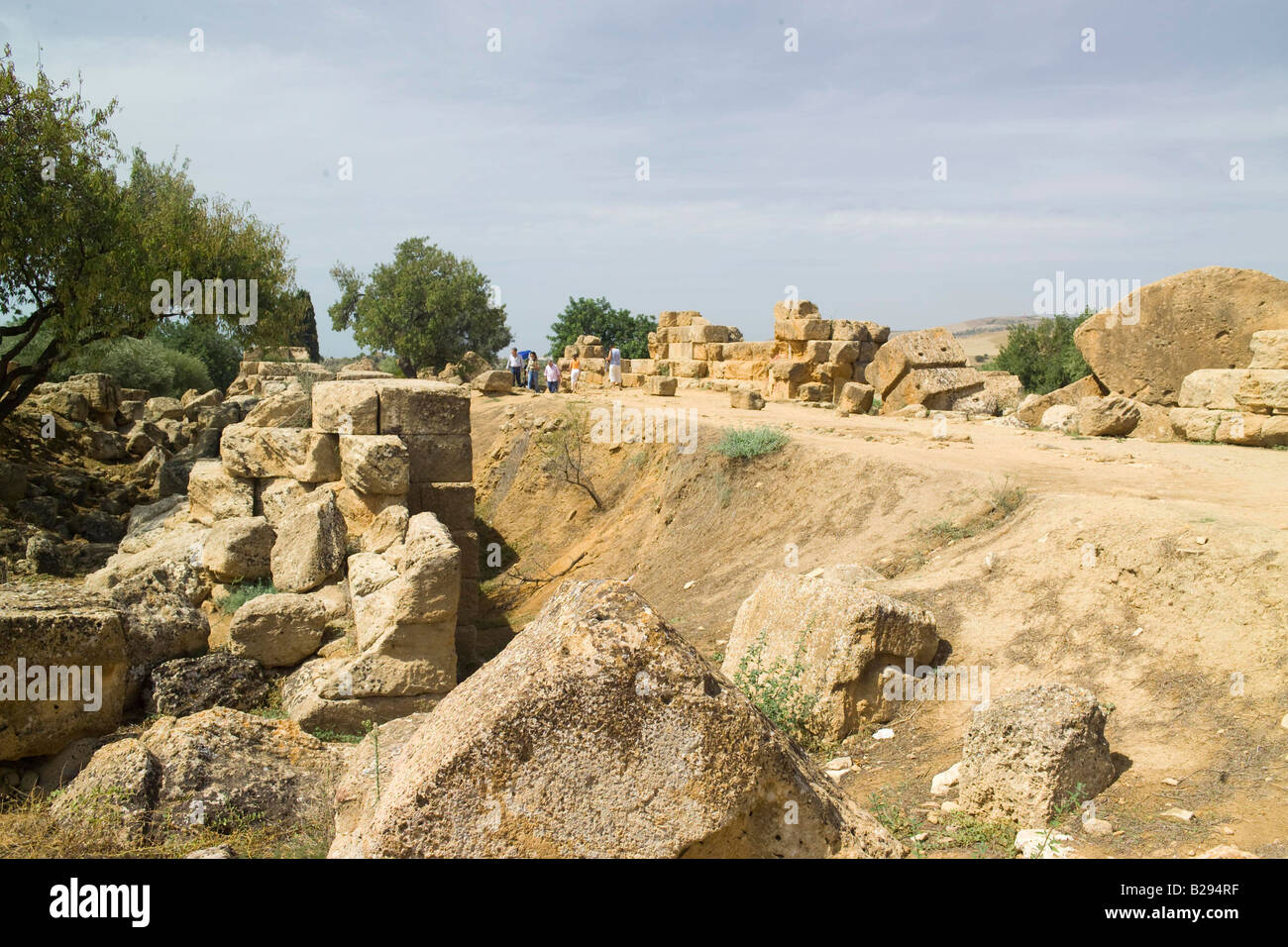 Valley of Temples Agrigento Sicily Date 28 05 2008 Ref ZB693 114318 0124 COMPULSORY CREDIT World Pictures Photoshot - Stock Image