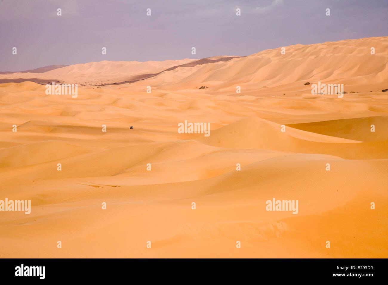 Libya Sahara Desert Dunes Date 25 01 2008 Ref ZB720 112781 0017 COMPULSORY CREDIT World Pictures Photoshot - Stock Image