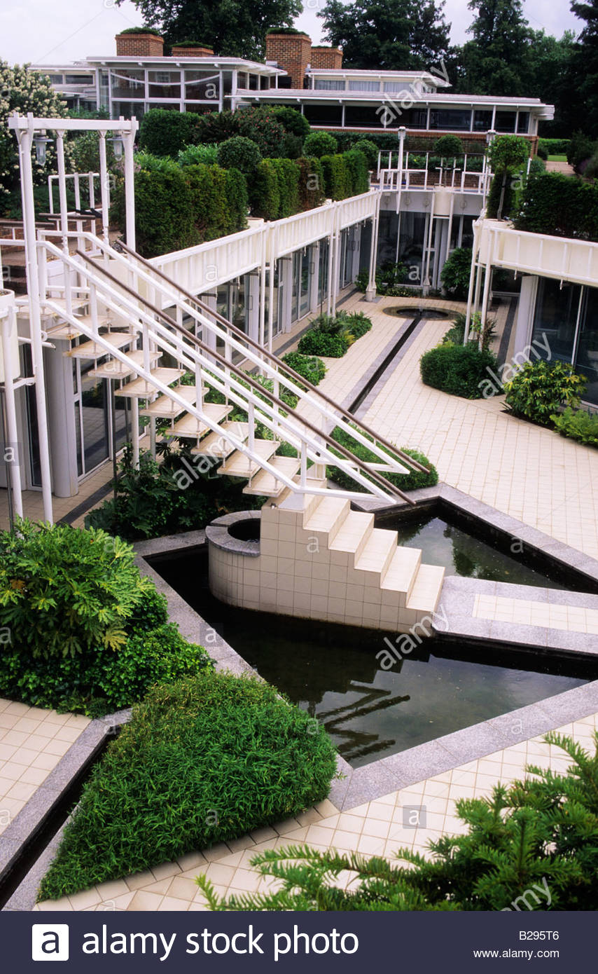 office garden design. Garden In Commercial Property RMC Head Office Surrey With Roof Gardens Design Stephen Crisp Boxwood Topiary Water Features O