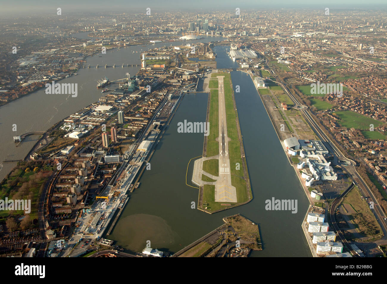 London City Airport Date 12 03 2008 Ref ZB648 111149 0044 COMPULSORY CREDIT World Pictures Photoshot - Stock Image