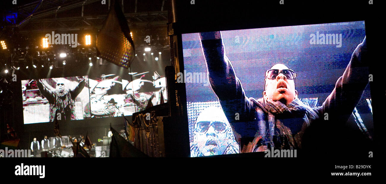 Jay-Z acknowledges the Glastonbury Festival crowd. - Stock Image