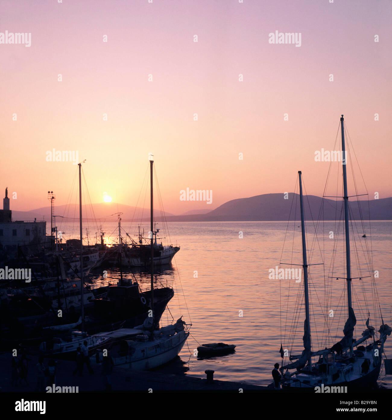 SARDINIA Alghero Harbour at Sunset Date 10 06 2008 Ref UKH025558 0001 COMPULSORY CREDIT World Pictures Photoshot - Stock Image