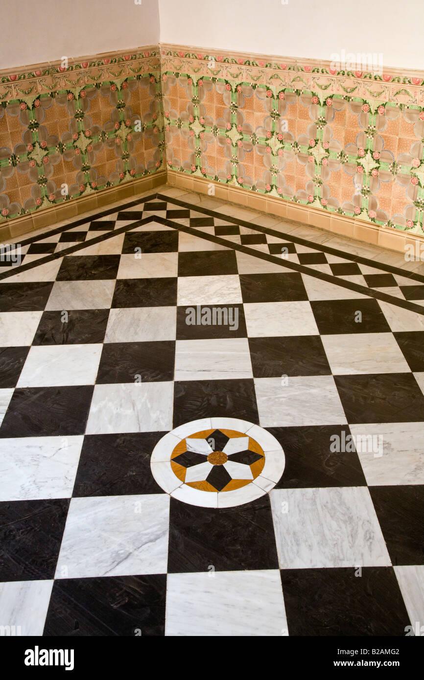 Checkerboard Tile Floor Stock Photos & Checkerboard Tile Floor Stock ...
