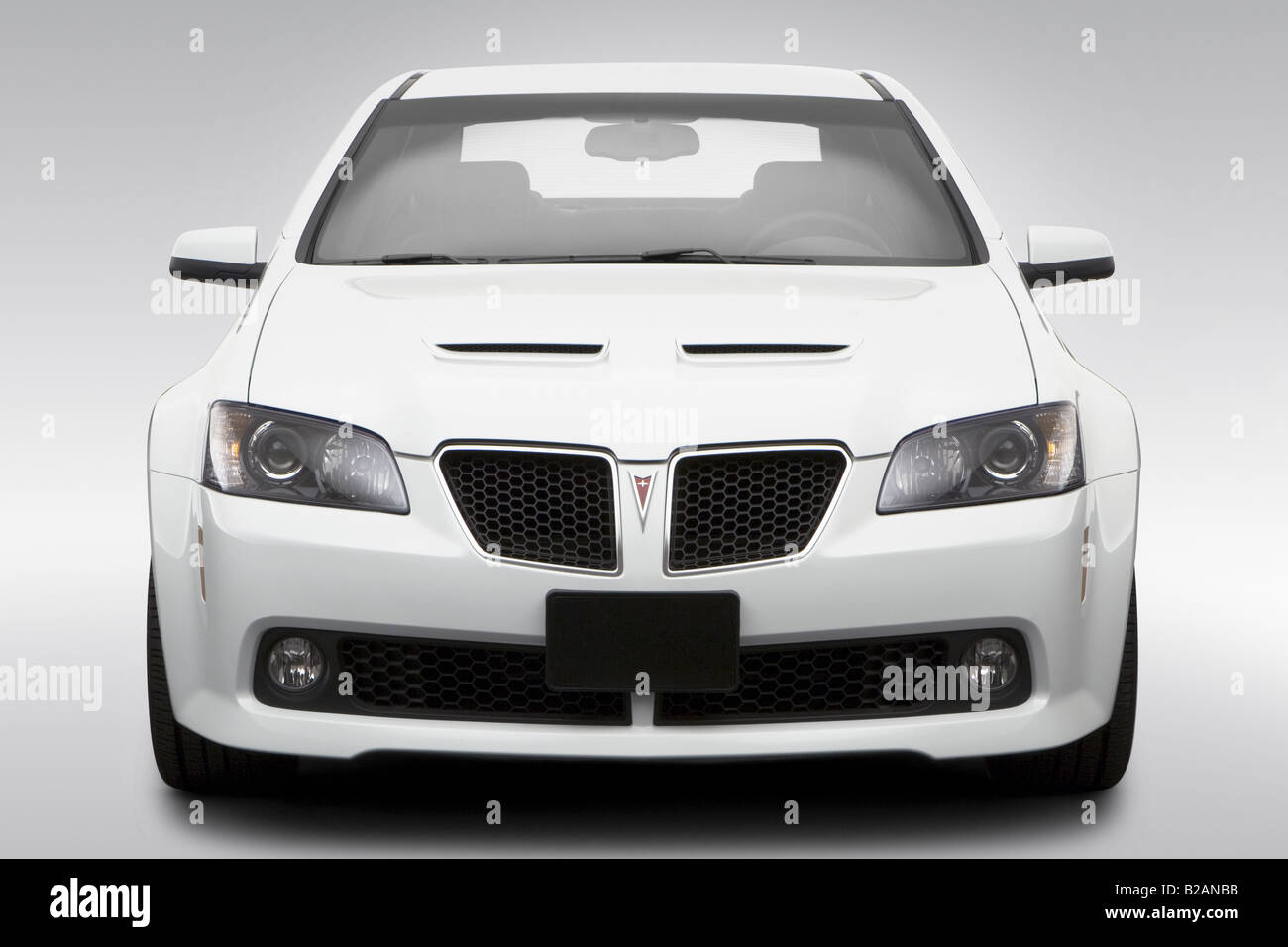 2008 Pontiac G8 Gt In White Low Wide Front Stock Photo Alamy
