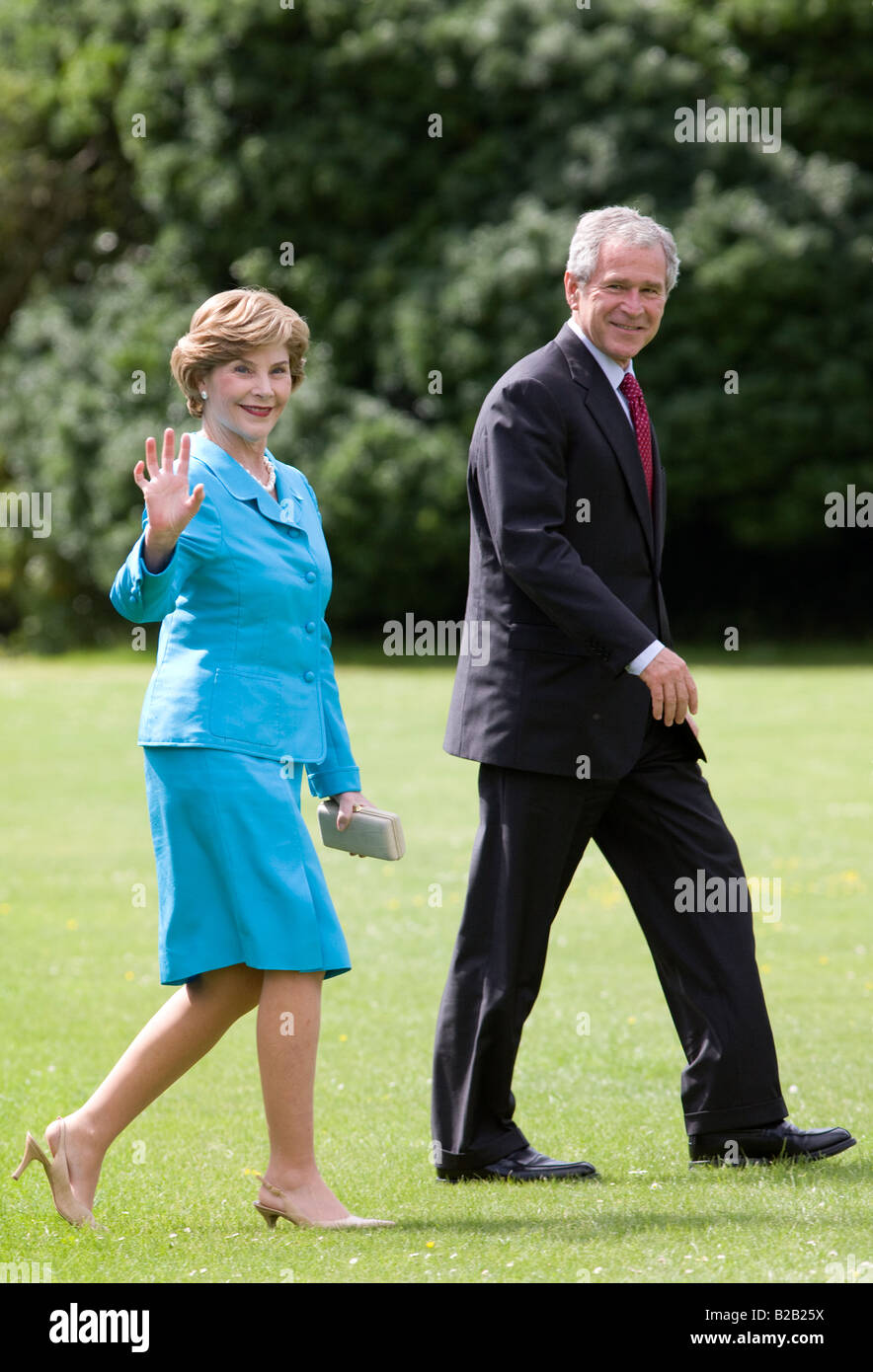 President George W Bush and his wife First Lady Laura Bush in England United Kingdom Stock Photo