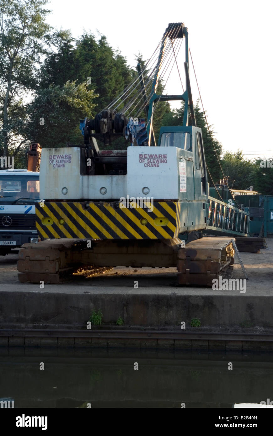 Crane accident on 23 July 2008 at Willowbridge Marina Stoke Road Bletchley Milton Keynes MK2 3JZ on the Grand Union Stock Photo