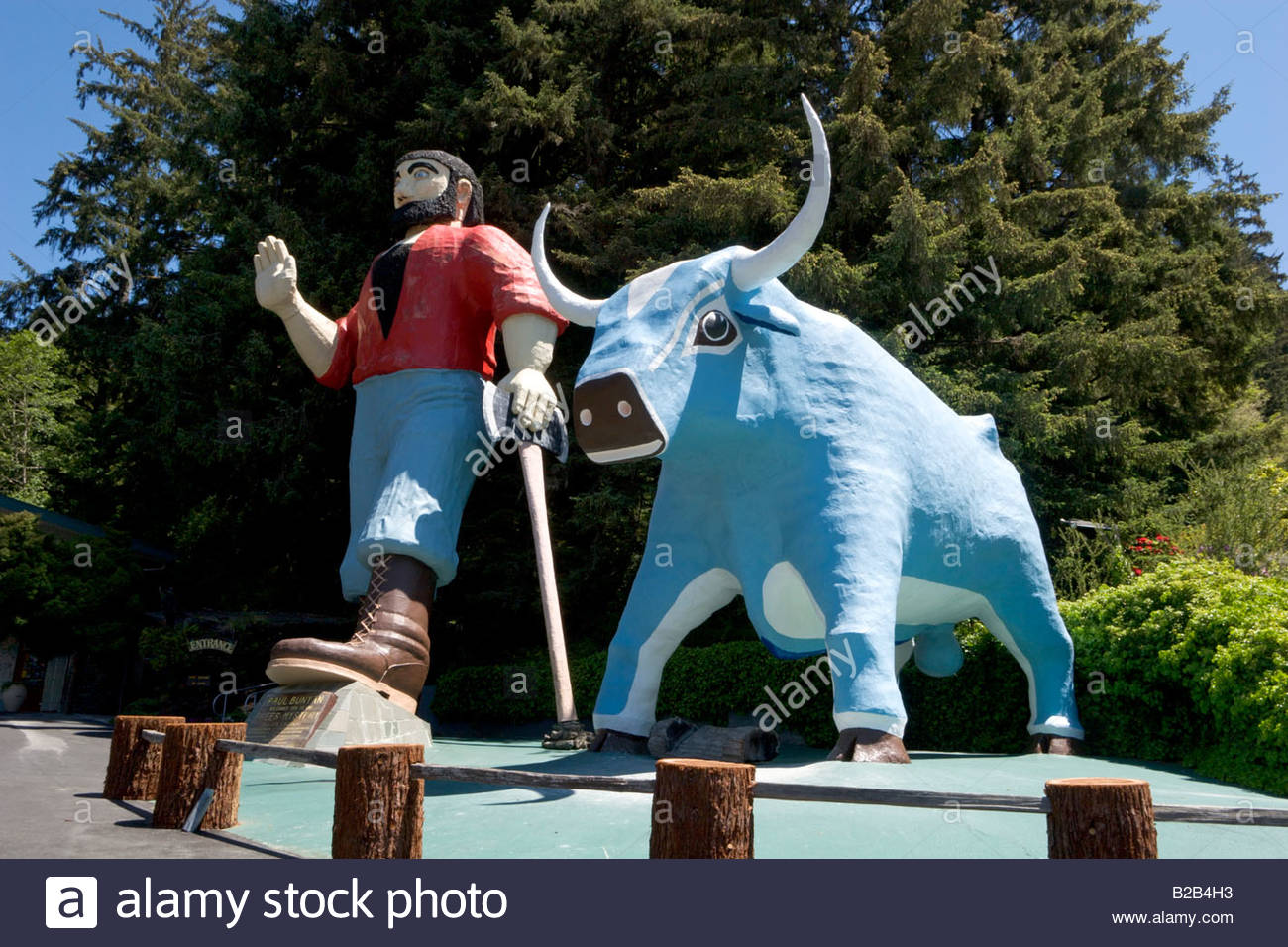 Paul Bunyan and Babe the Blue Ox Trees of Mystery Klamath California Stock Photo