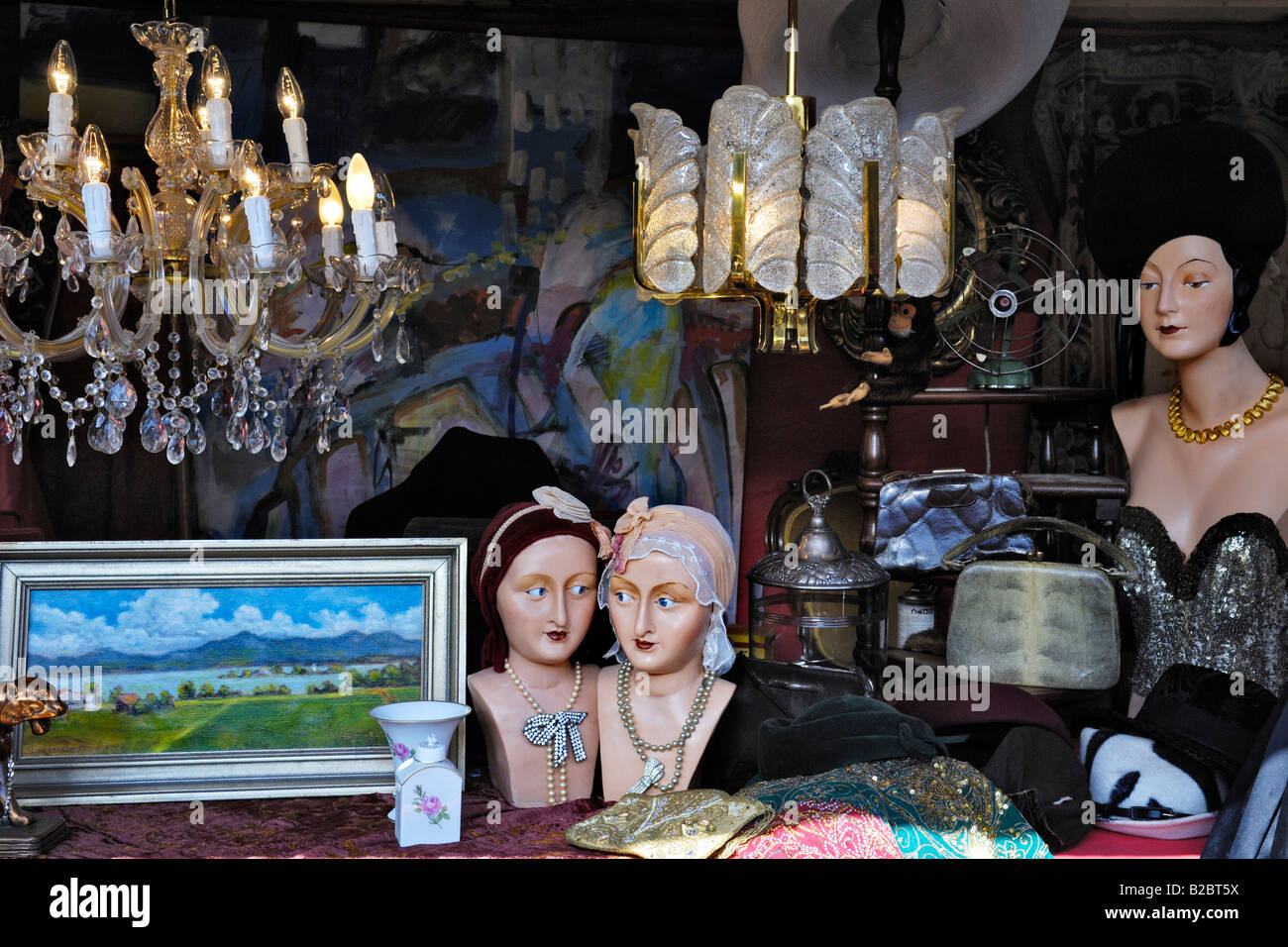 Paintings, busts and various other things, Auer Dult, traditional market in Munich, Bavaria, Germany, Europe - Stock Image