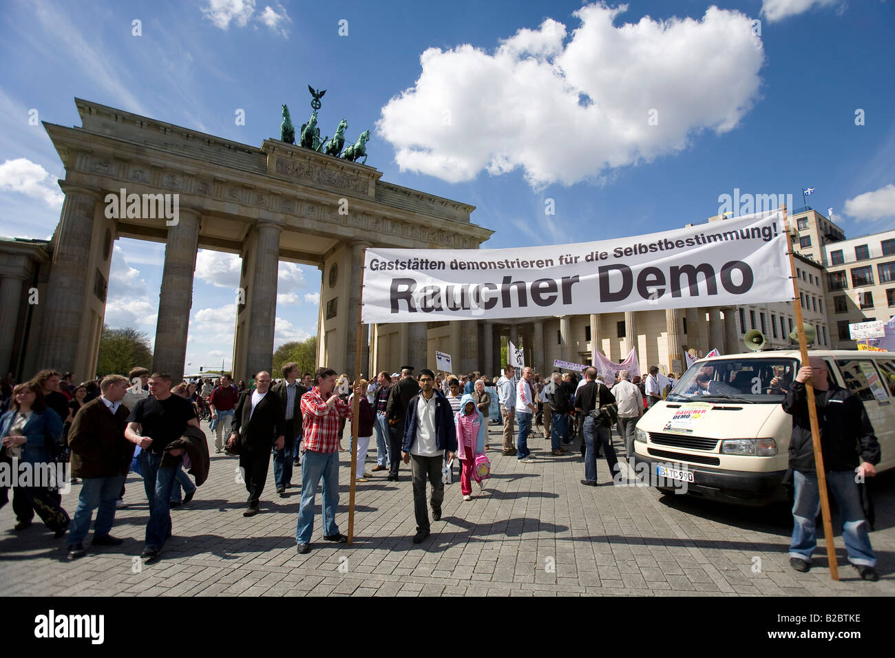 Barkeepers and customers protesting against the ban on smoking in inns, Berlin, Germany, Europe Stock Photo